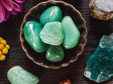 Use These 6 Crystals to Break Your Bad Habits